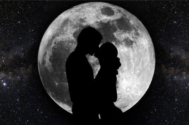 silhouette-of-lovers